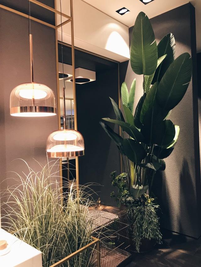 Gessi bathroom set design with Fontana Arte lamps