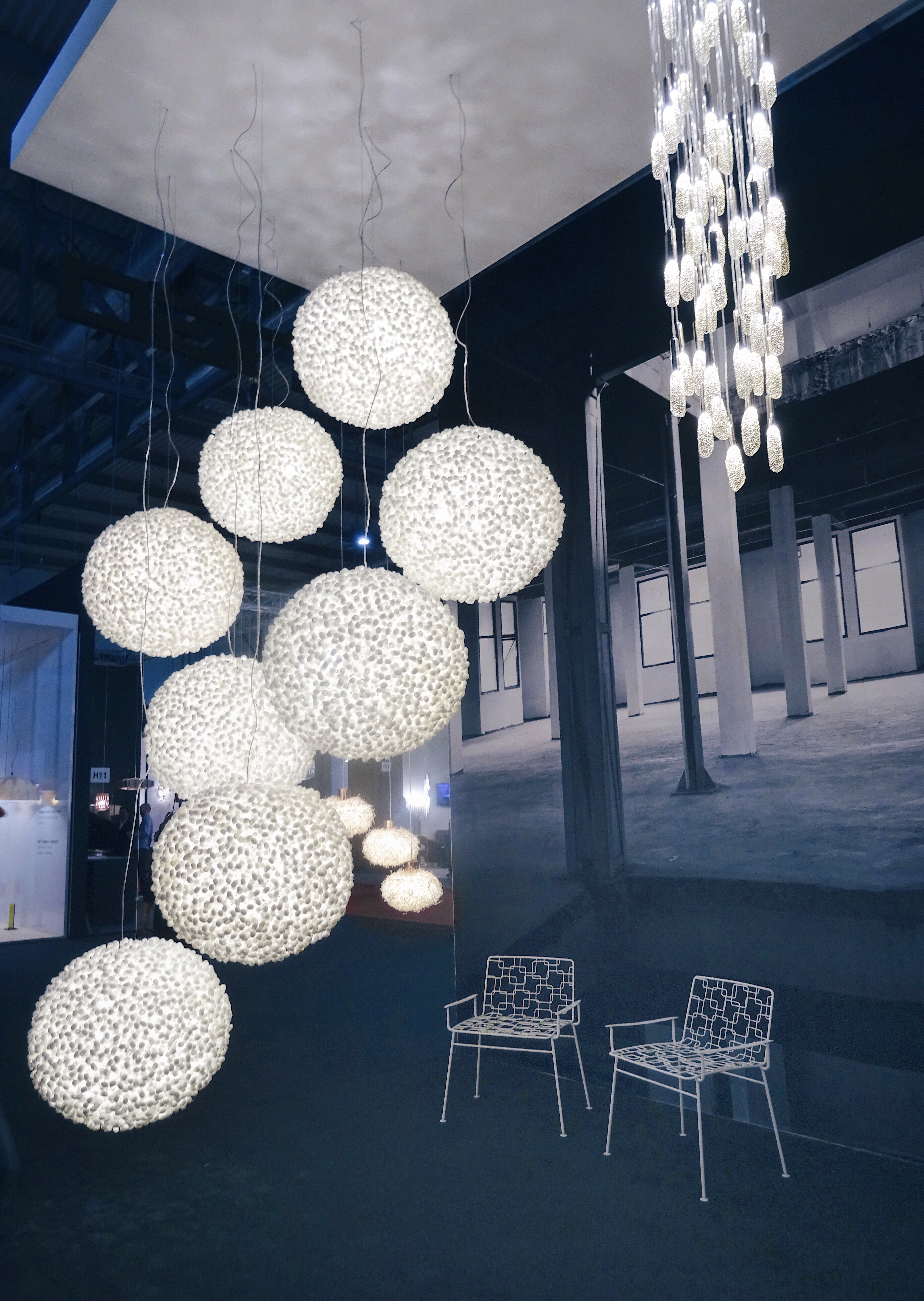 Ango Evolutionary Ceiling Light