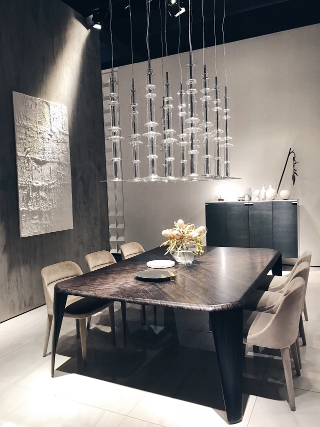 The Narghilé glass lighting and the Oroshi dining table by Massimo Castagna for Gallotti & Radice