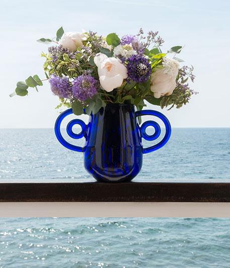 Mediterranean decor: Hualos vase by Margaux Keller